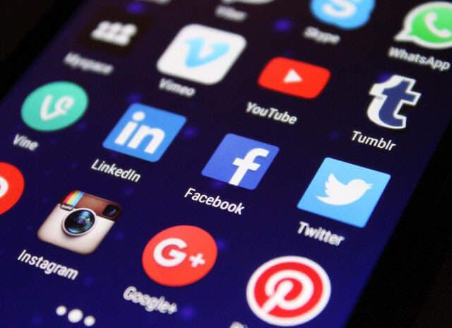 divorce social media